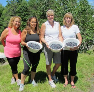 4 women & berries picked